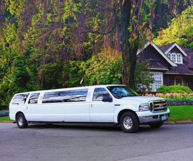 13-PASSENGER-TIFFANY-SUV-LIMOUSINE